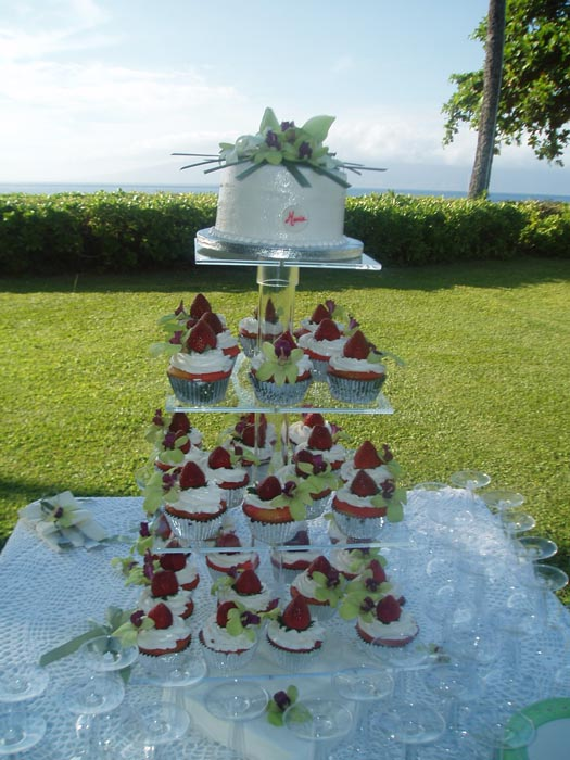 maui wedding cakes cup cakes and small cakes